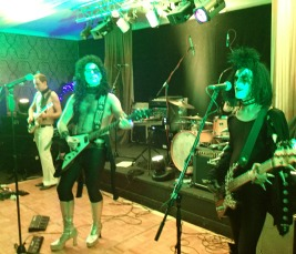 drag rock band, 70s glam rock band, glam rock band, glam band, 70s tribute band in WIltshire, 70s tribute band in SOuth West, Transvestite band, band for 40th wedding, band for 40th, kiss tribute band, bowie tribute, kiss costumes, band in make up, band for Cricklade House